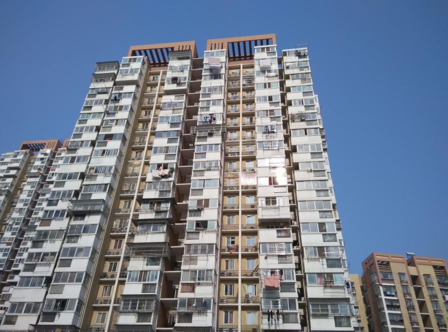 莲花新城1室0厅0卫80平米毛坯产权房2000年建