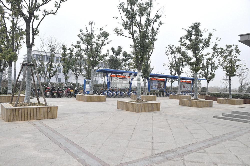 雅居乐滨江国际距离临江站很近(2.02)