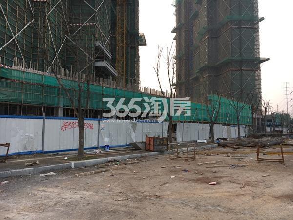 雅居乐滨江国际实景图(1.8)