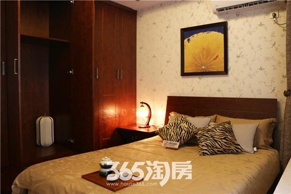 东方蓝海124平房源样板间-卧室