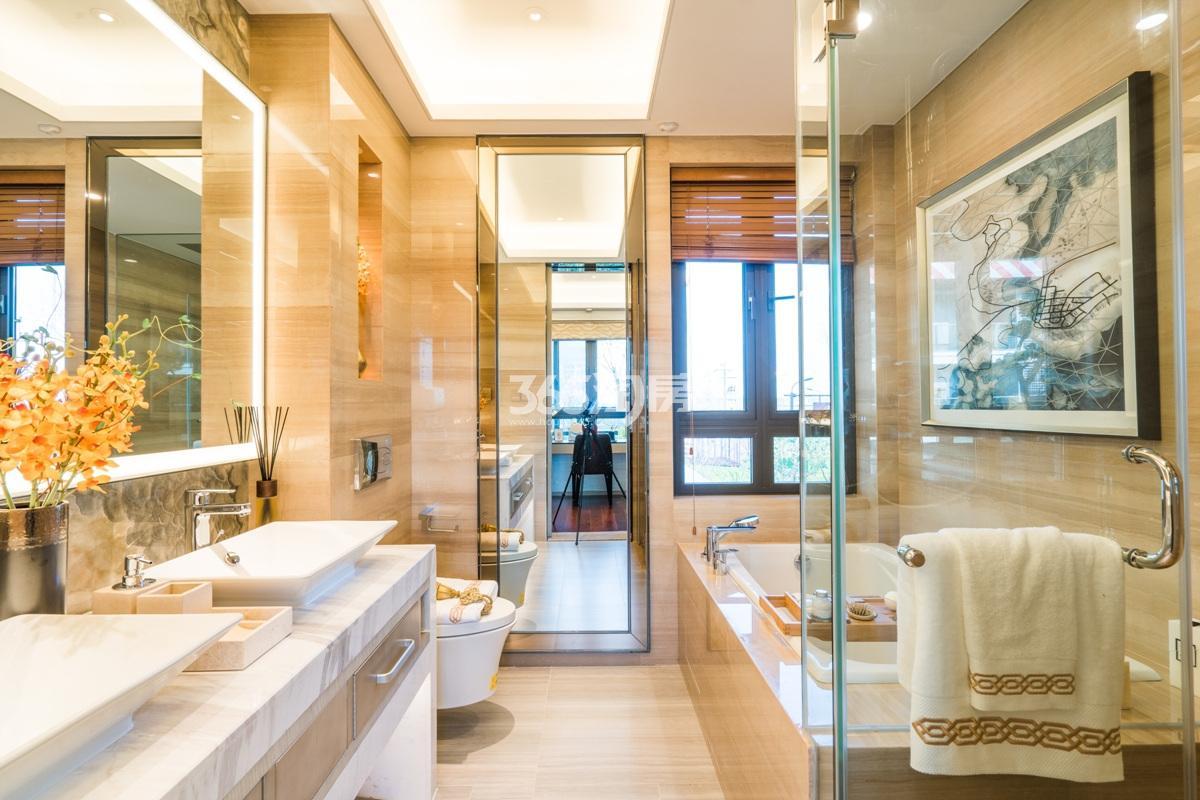 融信澜天排屋样板房---卫浴间