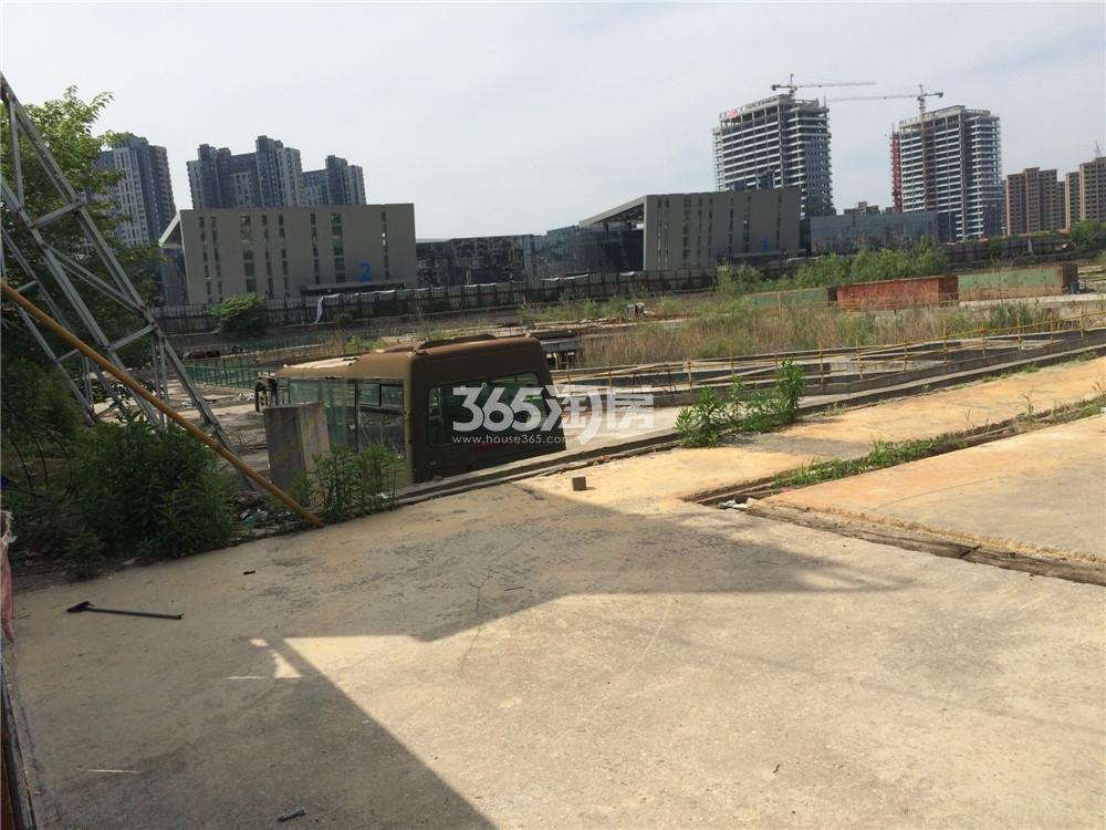 奥体苏宁广场实景图