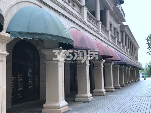 长泰国际社区沿街商铺实景图(2017.8 摄)