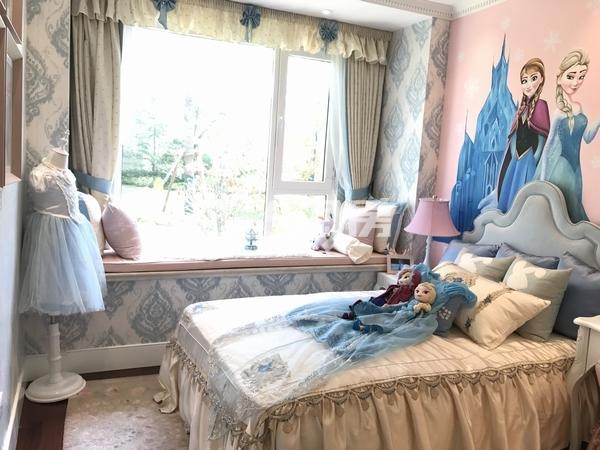 蓝光公园华府110平样板房儿童房