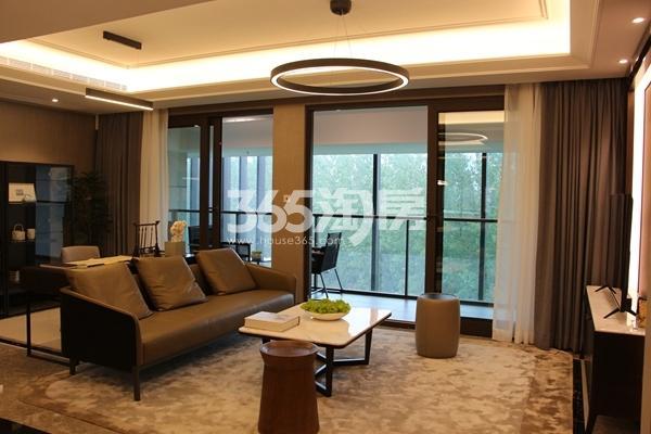 富力运河十号155平小高层样板间客厅